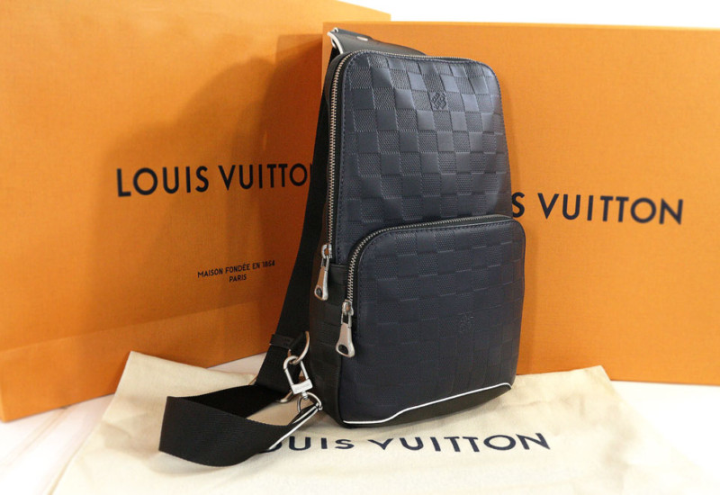 louisvuitton-avenue-sling-bag_01
